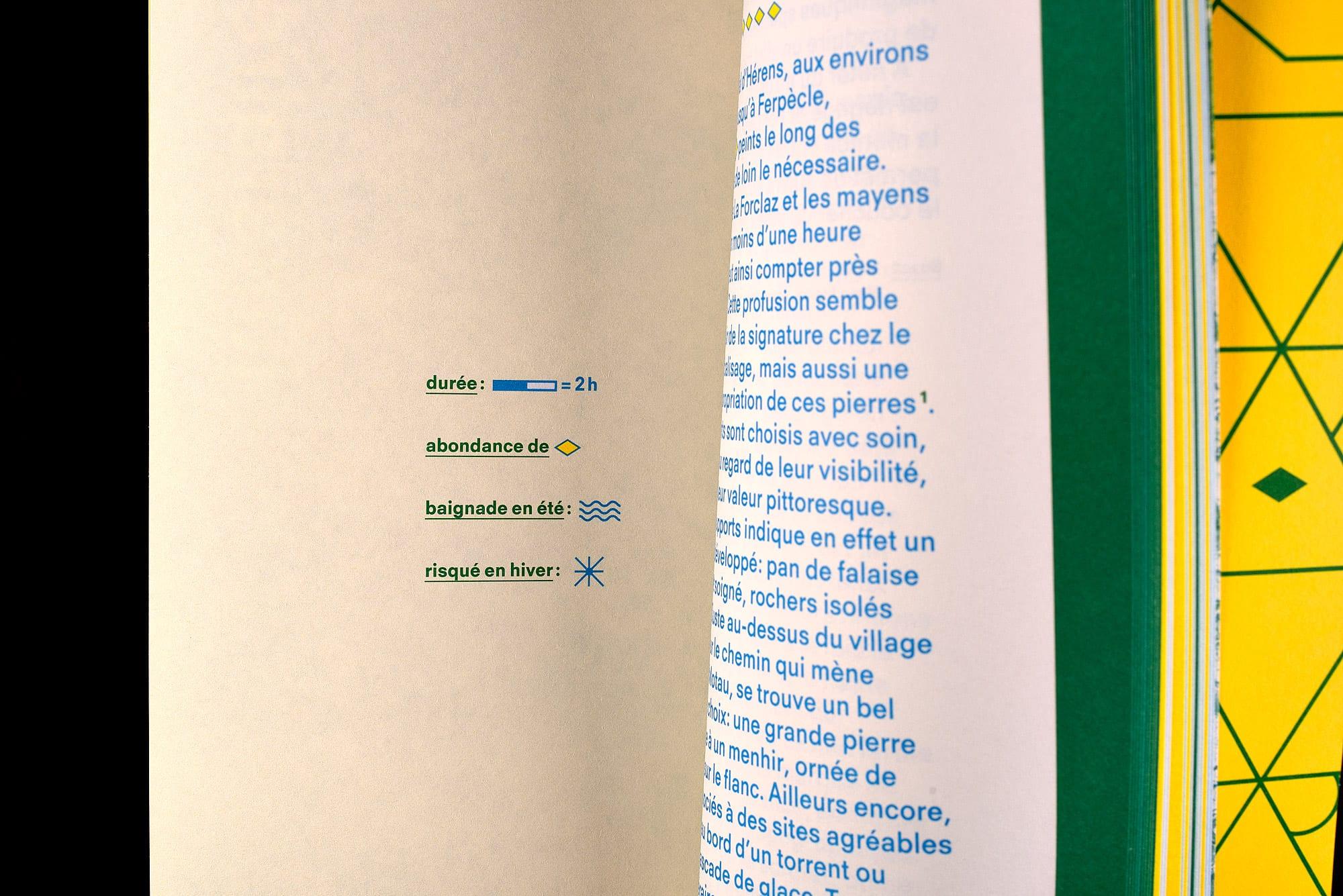 BB02 Losanges sur pierres des Alpes suisses - pages 48-49, légendes des itinéraires